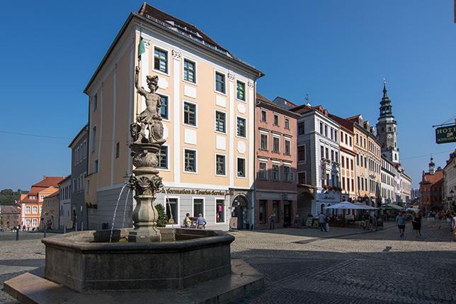 Obermarkt mit beiden Tourismusbüros